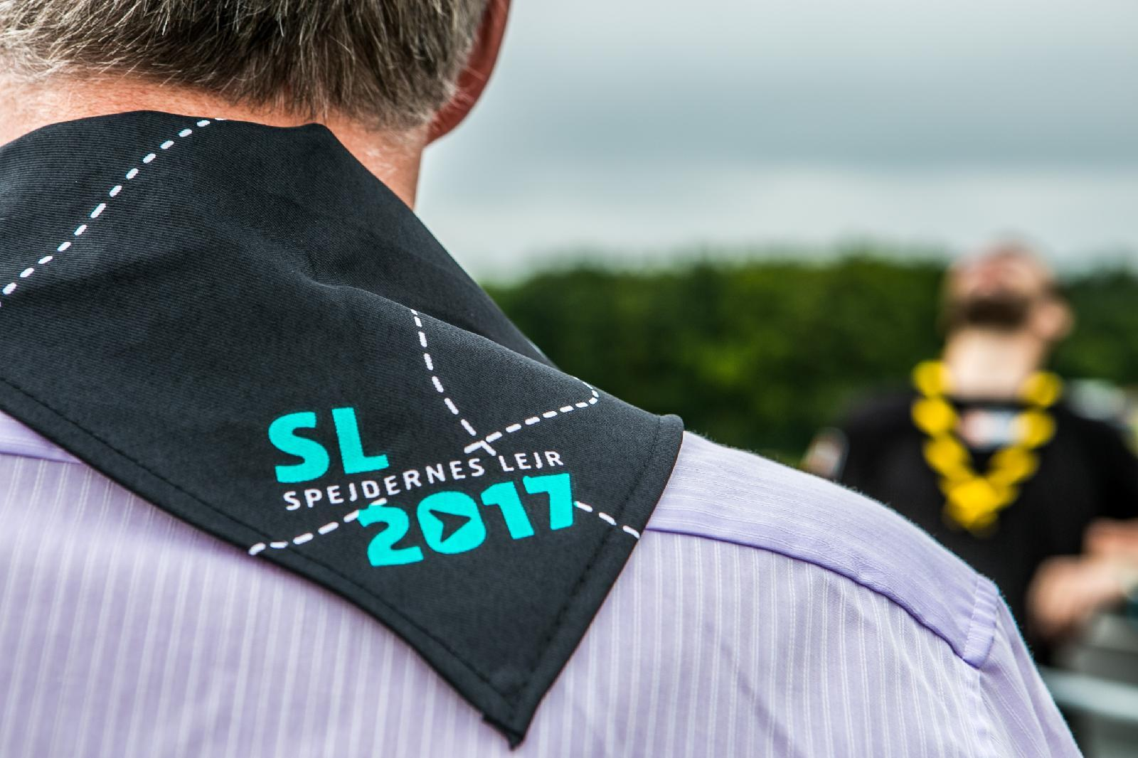 "Sønderborg municipality's mayor Erik Lauritzen wear a jobber necker during the opening ceremony of ""Støvlen""."